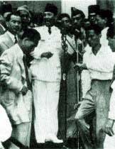 Proklamasi: Sukarno at the microphone on August 17, 1945