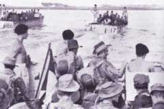 Amphibious landing by Dutch (KNIL) troops at Sanur beach, Bali, March 1946