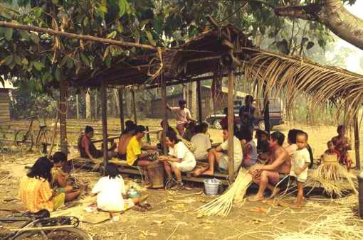 Making rattan handicrafts