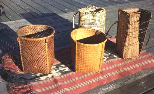 Rattan handicrafts and 'ikat doyo' weaving