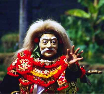 Arja drama actor in a Balinese blessing ceremony