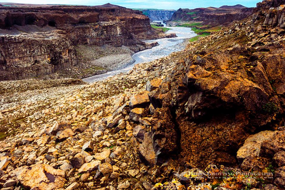 Iceland. Vatnajökull National Park on the Jökulsá á Fjöllum river. The Jökulsárgljúfur canyon.